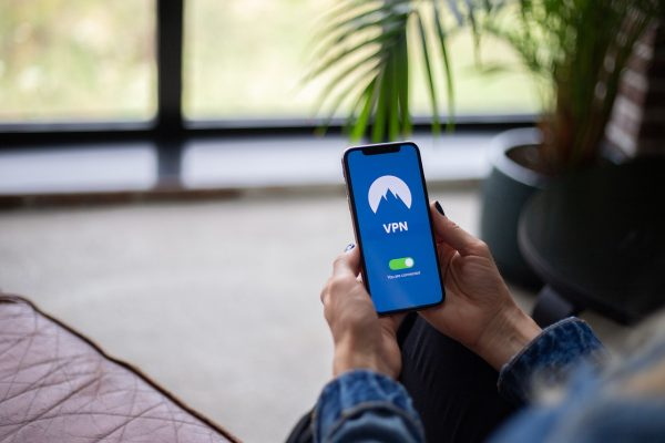 turn on vpn to prevent your phone from being hacked