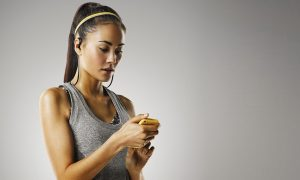 15 Best Bluetooth Earphones For Indoor & Outdoor Workout [2019]