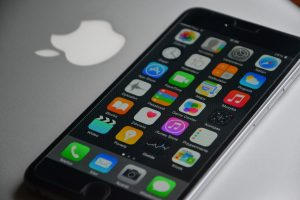 Apple Works On Wraparound iPhone Screen