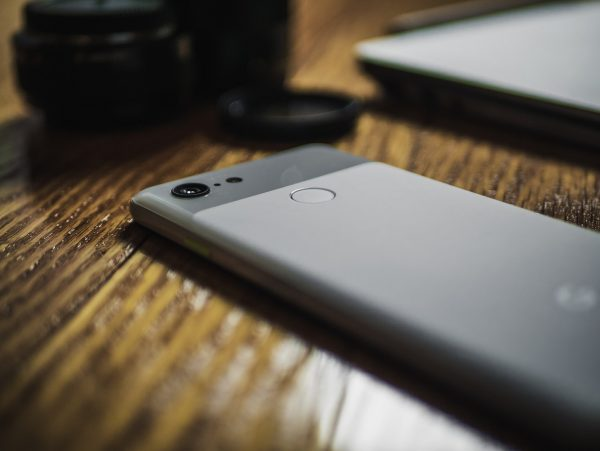 selective focus photography of smartphone