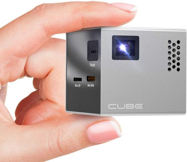 RI56 CUBE Mini Projector is easy to carry around
