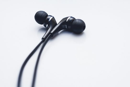 A Beginner's Guide To Noise Canceling Earbuds