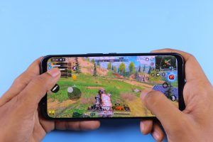 Best Microphone To Use When Streaming Mobile Games: Buying Guide