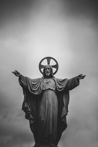 Nice and simple, powerful sculpture of Jesus Christ.