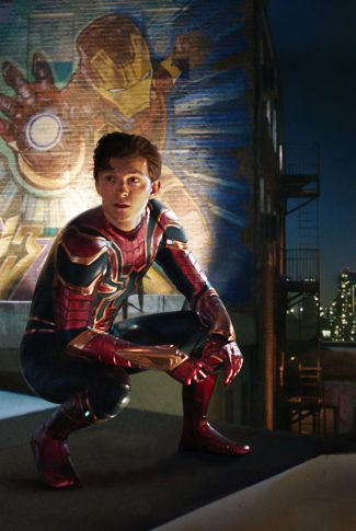 A movie wallpaper of Spider-Man by an Iron Man mural from Spider-Man: Far From Home.
