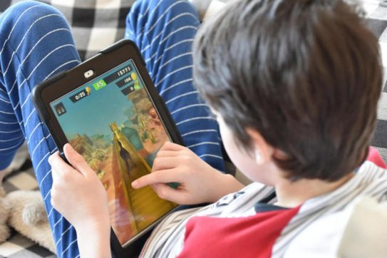 15 Best Tablets Suitable for Kids [Budget-Friendly]
