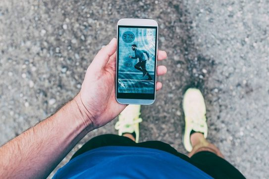17 Best Running Apps To Elevate Your Everyday Runs [Android & iOS]