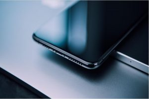 Oleophobic Coating: What Is It and How Is It Useful for Your Phone?